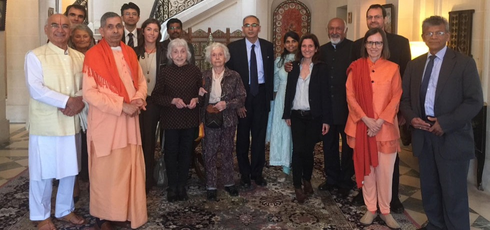 Ambassador of India His Excellency Mr. Vinay Mohan Kwatra with 13 leading yoga experts in France