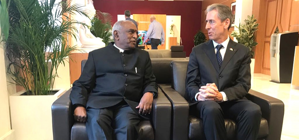 Mr. Pon Radhakrishnan, Union Minister for Finance and Shipping, Govt of India was welcomed by Mr. Gilles Tonellii, the Monaco Foreign Minister and Cooperation on 22 May 2018. This is the first ever bilateral visit from Government of India to Monaco in the past four years.