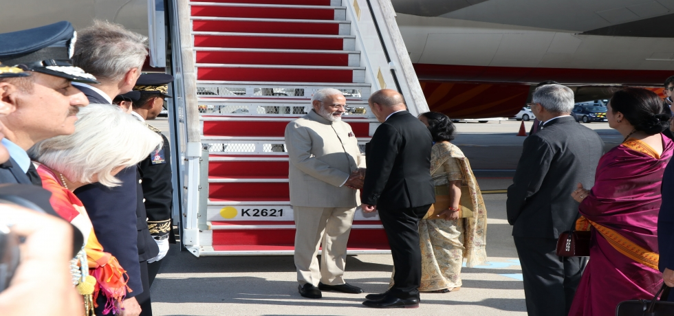 Honorable Prime Minister Shri Narendra Modi arrives at Paris for the bilateral summit