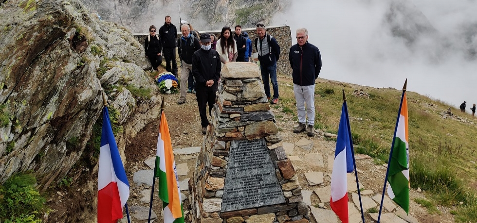 Ambassador laid the wreath at the memorial dedicated to the victims of two air plane crashes of Air India (1950&1966) at Saint Gervais Memorial
