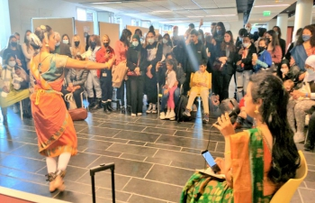 Learning together: Workshops of Indian classical dances (Bharatnayam, Mohiniattam) & Music along with Indian Cuisine at the annual festival